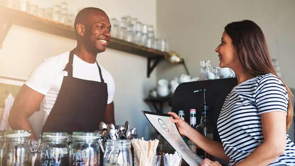 Papo com especialista: 7 dicas de quem começou um negócio com pouco dinheiro