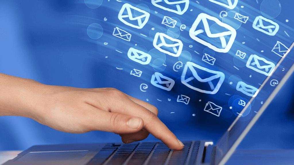 Como construir uma lista de email lucrativa com 15 tipos de conteúdos poderosos